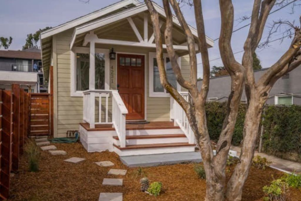Front steps to your Silver Lake oasis.