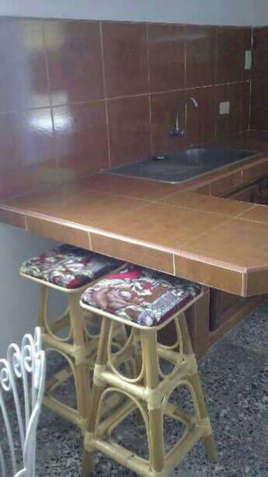Cada apartamento está habilitado con cocina,sala comedor , cuarto amplio ,baño y terraza.