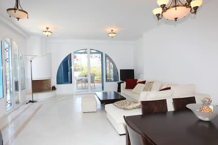 Two bedroom flat in the heart of Antiparos - Antiparos