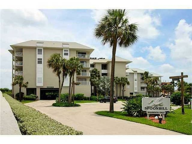 Oceanfront Spoonbill Resort Condo in IRP - Stuart - Apartment