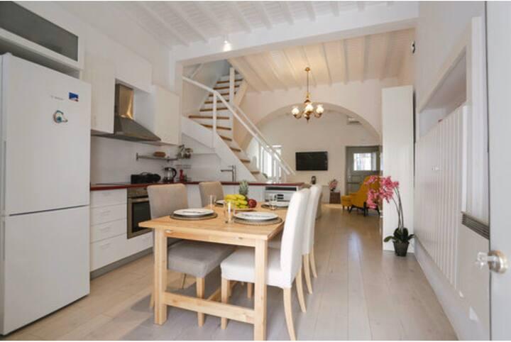 Sensation three level luxury villa in mykonos town