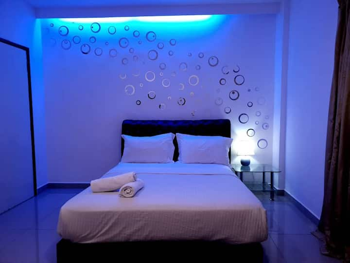 Cozy room with cheap price in town