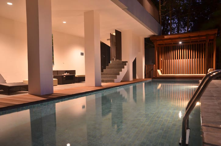 Cempaka Villa Dago Private Pool