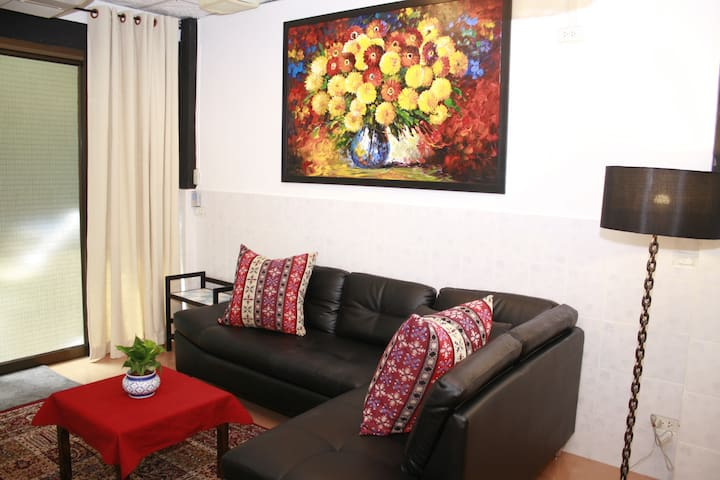 Your tropical oasis: entire house 2BR❂2BA❂Kitch&LR