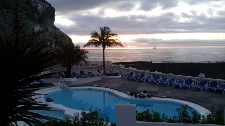 Apartamento en la playa piscina relax!!.