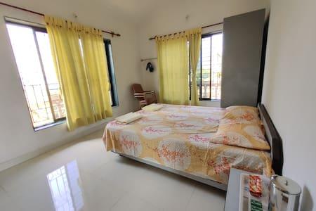 Shree Srushti Homestay-Deluxe Valley Facing Room