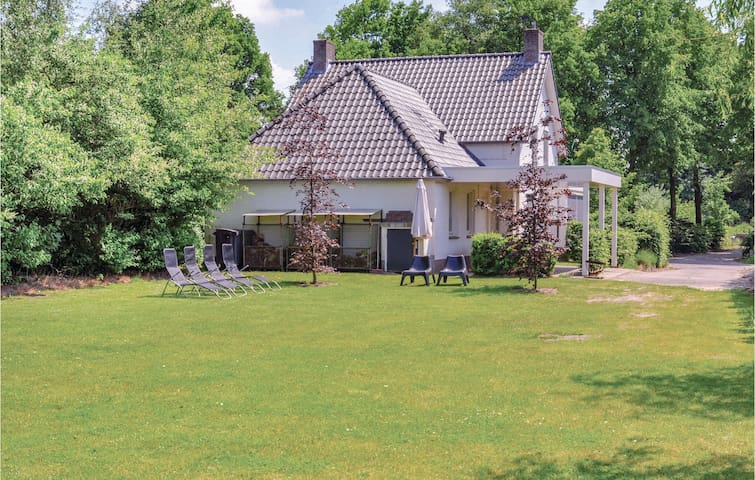Nice home in Leende with WiFi and 6 Bedrooms