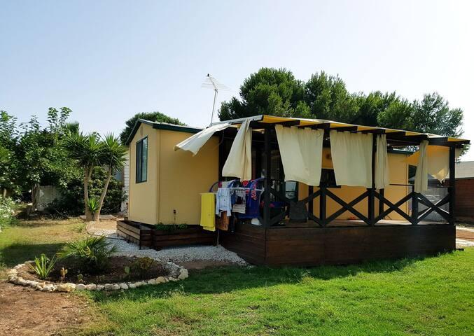 Casa Vacanze con giardino e spiaggia privata.