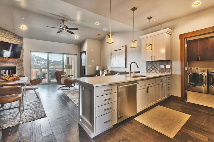 Incredible townhome near Park City w/ hot tub! - Heber City - Townhouse