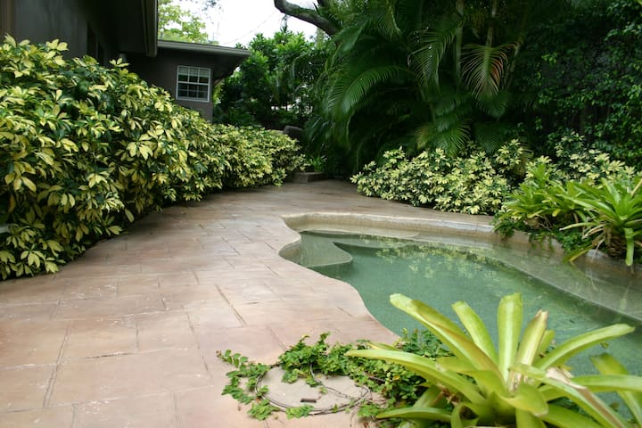 Private Guesthouse in Victoria Park - Fort Lauderdale - Lejlighed