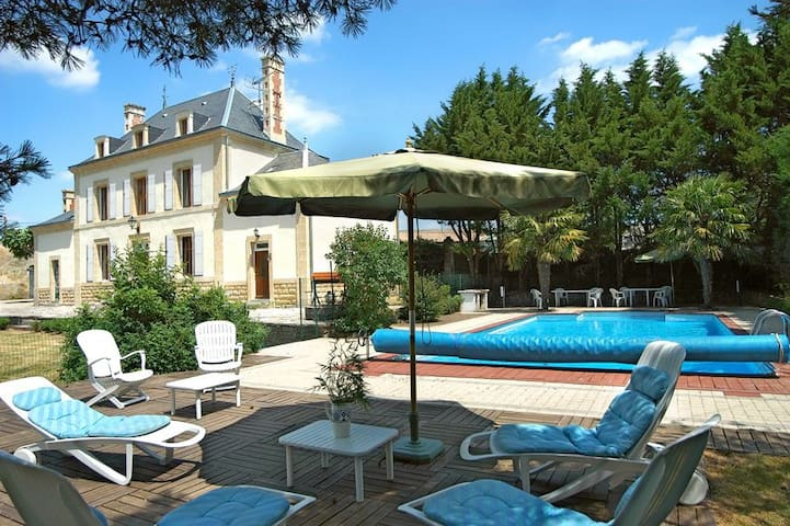 Large Holiday Home with Private Heated Pool