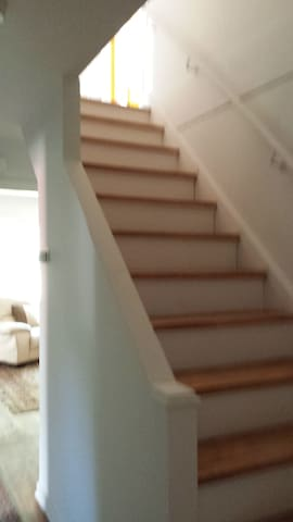 Room in a house near airport - Dorval - House