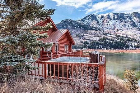 Brookie Lodge on Beaver Lake