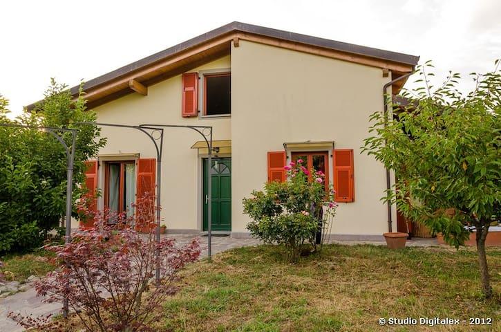 FENGSHUI HOME - - Villafranca in Lunigiana - Vila