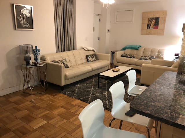 2 BEDROOM APT-walk to CENTRAL PARK and restaurants