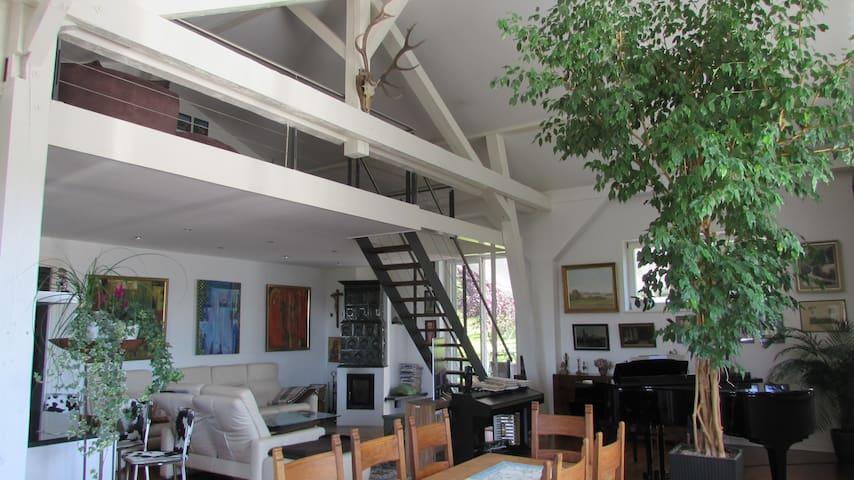 Extravagante Ferienwohnung direkt am Golfplatz - Bernau am Chiemsee - Appartement