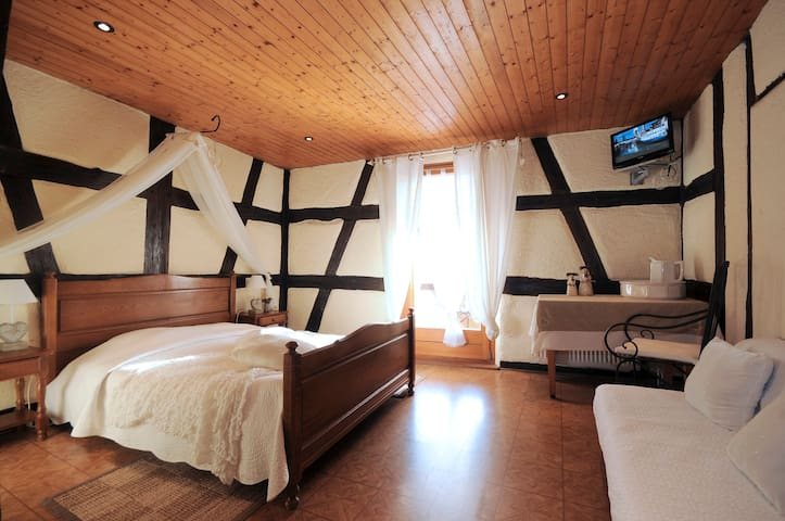 Domaine FAHRER ACKERMANN - Rorschwihr - Bed & Breakfast
