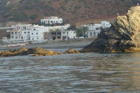 Maison dans un village maritime très calme