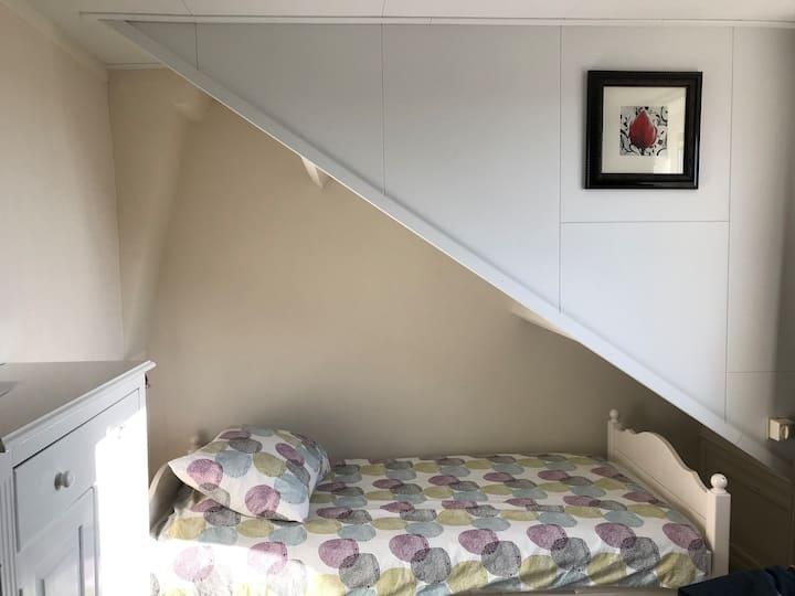 Leuke kamer voor een persoon.
