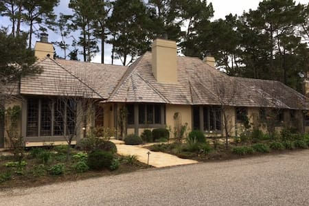 Beautiful 5,000 square foot home in Pebble Beach - Del Monte Forest