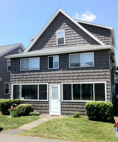 The Pail & Shovel Inn - 3 bedroom 2 bath 1st floor - Old Lyme - Haus