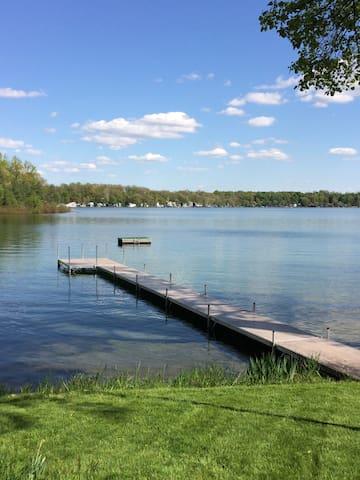 Lake Front Vacation Cottage - Southwest Michigan
