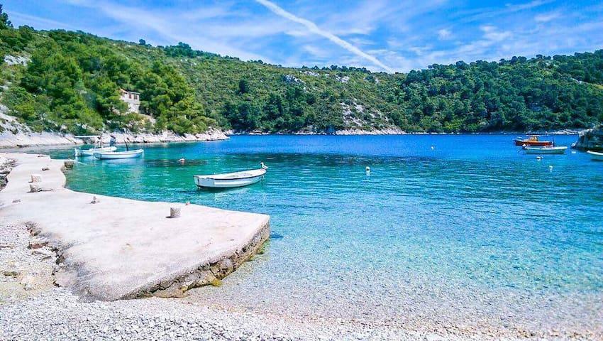 """Beach house """"Garma"""" , Island Šolta - Otok Šolta - 一軒家"""