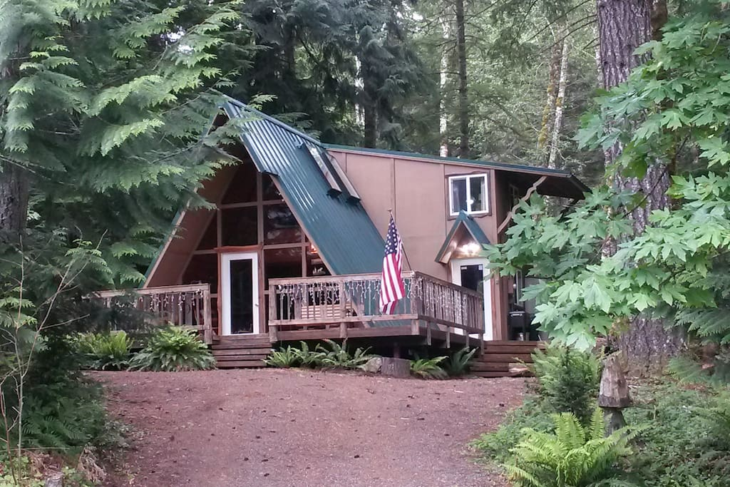 Love shack getaway bordering the national forest for The love shack cabin