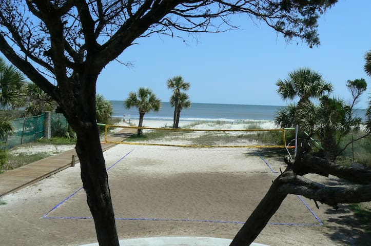 Beautiful Hilton Head Beaches - 3BR/2BA - Pool