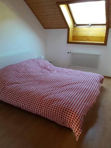 Chambre des parents/master bedroom