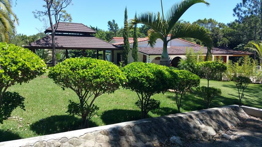 ECO MOUNTAIN LUX VILLA - San José de las Matas - Villa