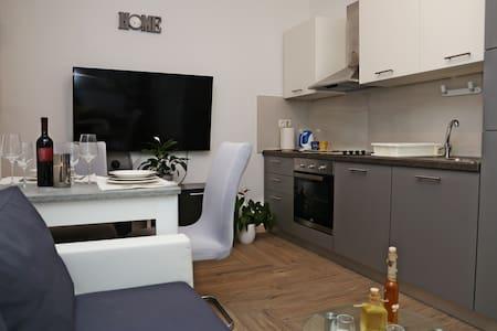 Apartment R&M