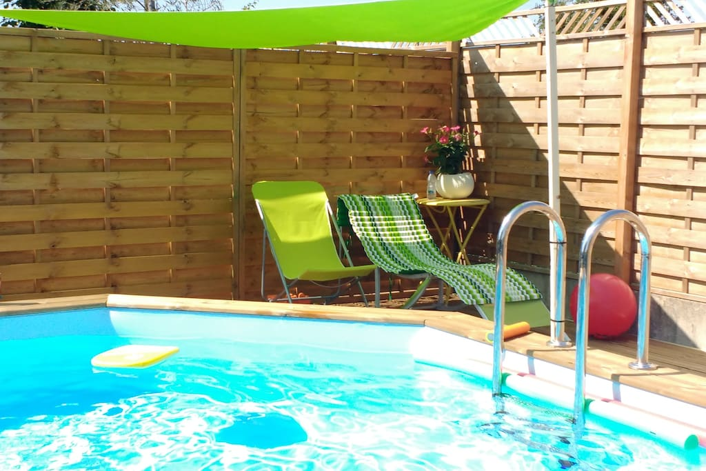 Terrasse bord de piscine