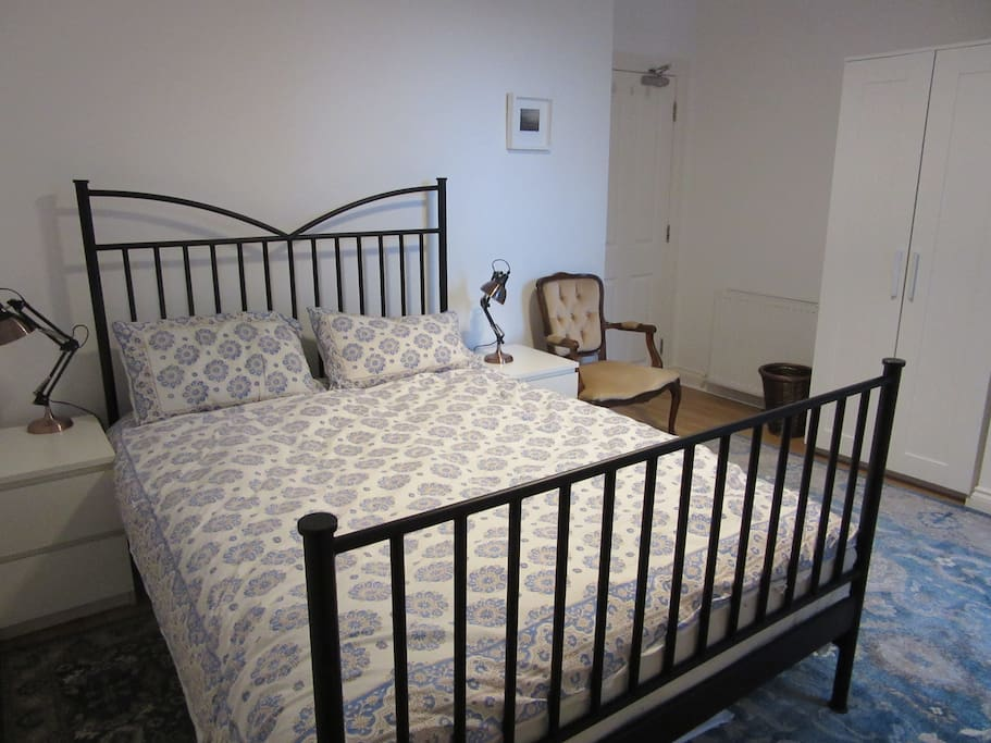 Master bedroom (double bed with ensuite)