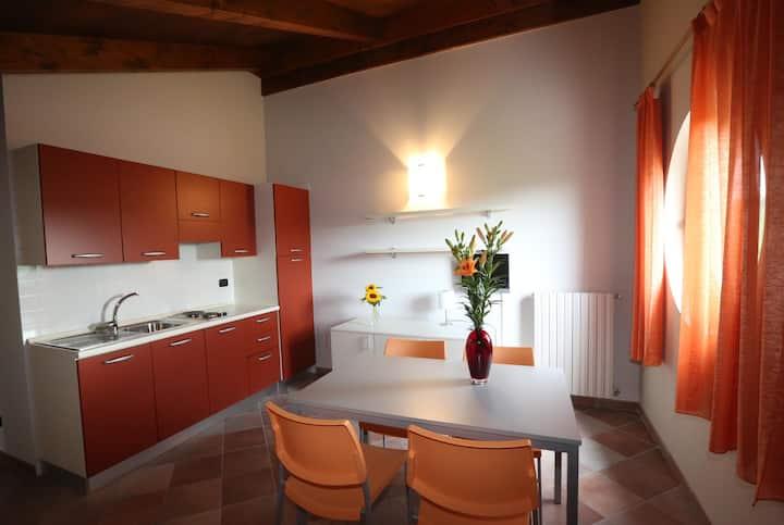 Terrazza Boschetti Gomba - Appartamento Arancio