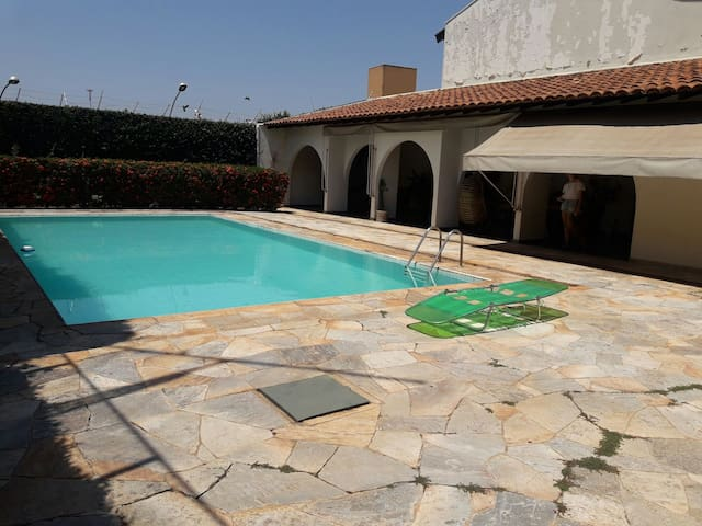 Casa com piscina 30 mim do termas de olimpia.