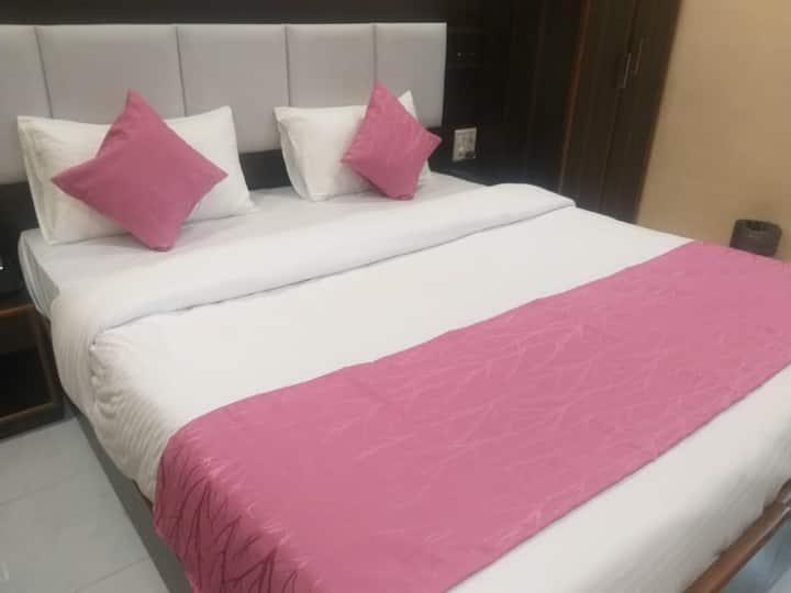 Couple room in Lonavala
