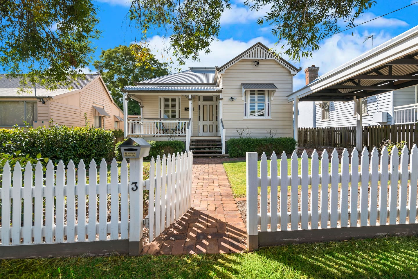 Gorgeous Bardon Cottage in the heart of East Toowoomba