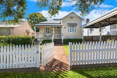 Bardon Cottage in East Toowoomba