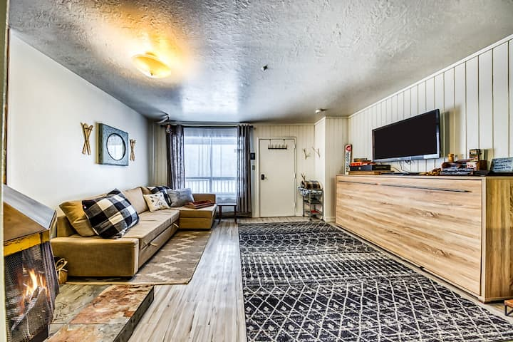 Ski-in/ski-out studio w/ a kitchenette, slope views, & fireplace - close to town
