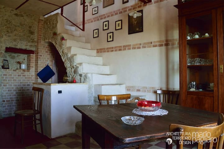 Torre di Otomaria - piccola, storica, serena
