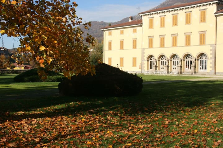 Villa Vitalba-1700s house and winery 1h from Milan - Almenno San Salvatore - Villa