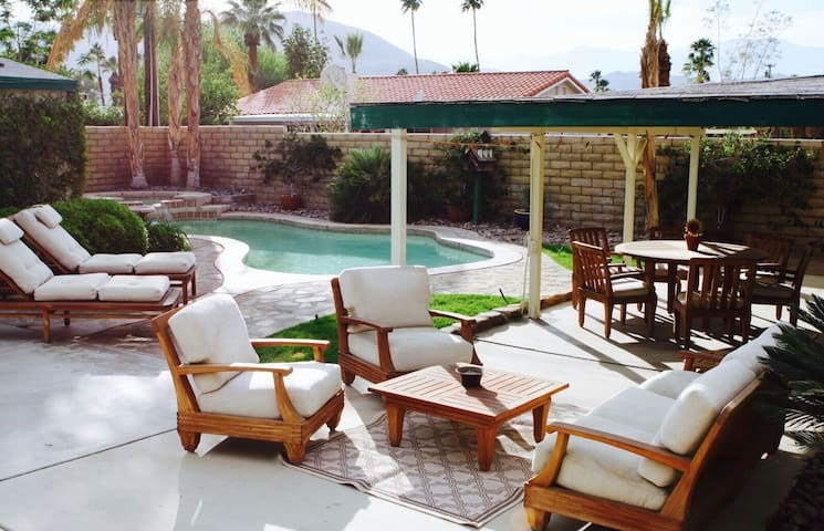 Beautiful home with Amazing Pool and Spa! - Palm Desert - Ev