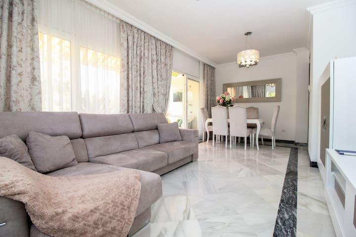 Luxury apartment in Nueva Andalucia