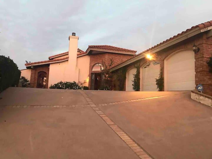 Southern California Luxury in Quiet Neighborhood