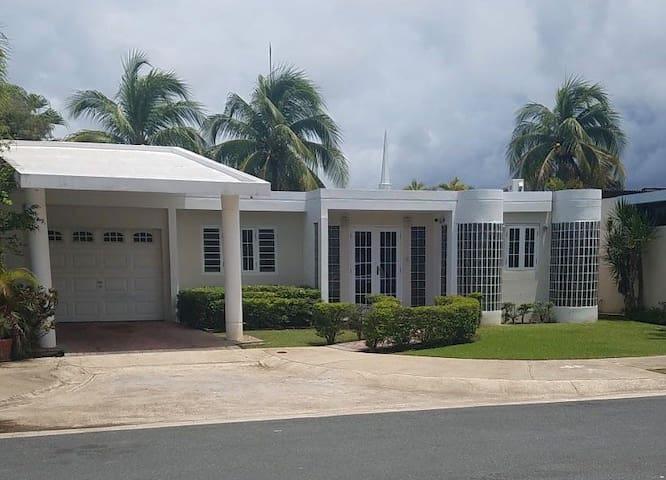 Vista Verde Family House