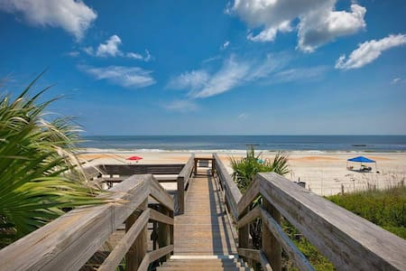 Ocean Views - Looking for a Labor Day Vacation?