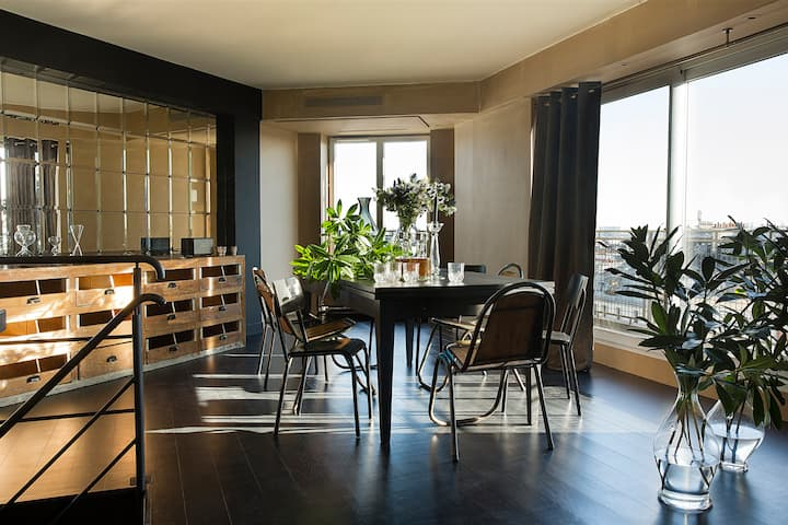 Apartment with panoramic view on Paris