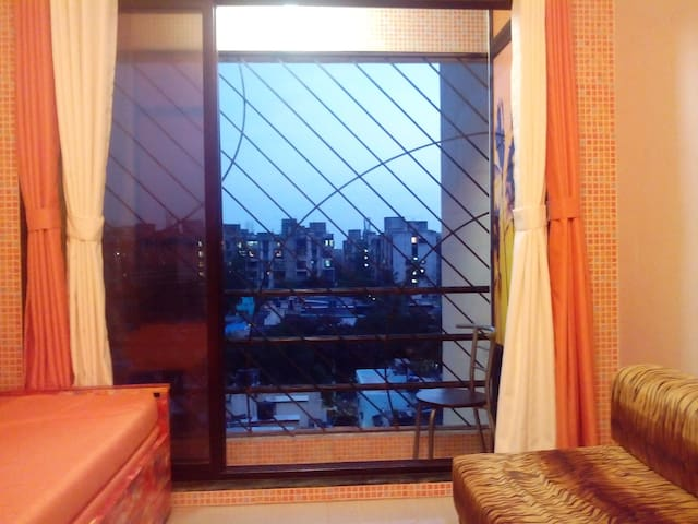Delightful and Comfortable Stay at Kandivali west
