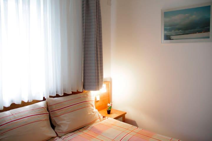 Cäsars Privatzimmer 1 P2 - Gerasdorf bei Wien - Wohnung